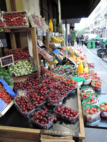 One of several beautiful fruit shops along Rue Saint Dominique.